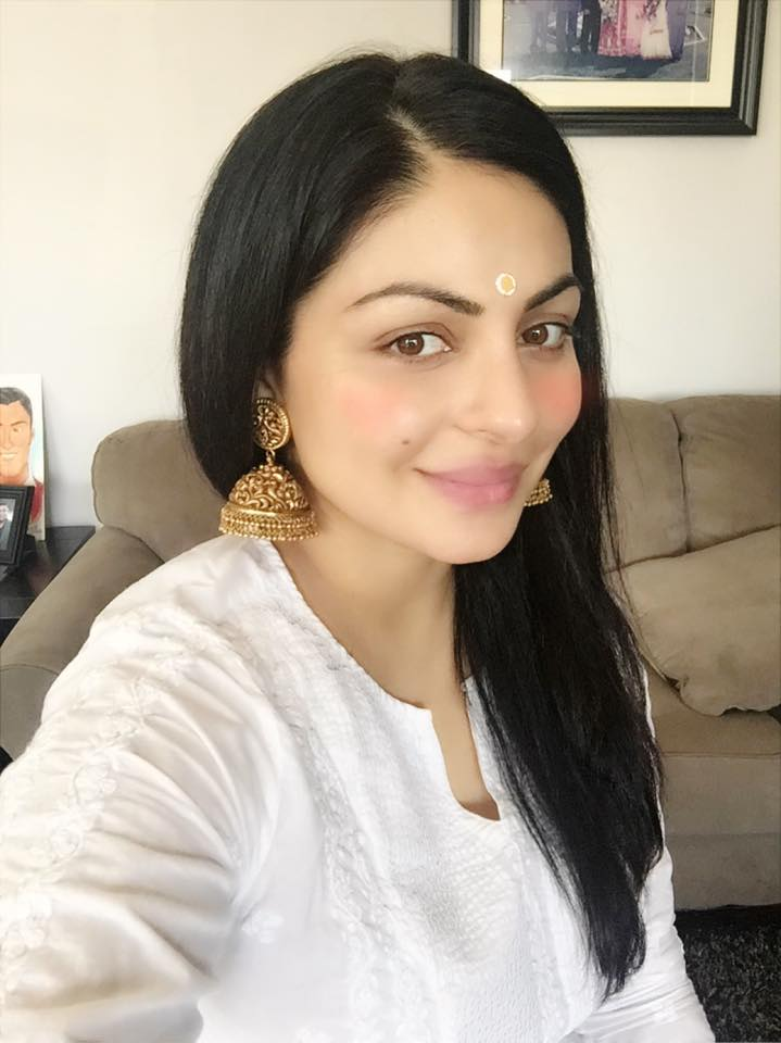 Neeru Bajwa Haircut Image Collections Haircuts For Men And Women